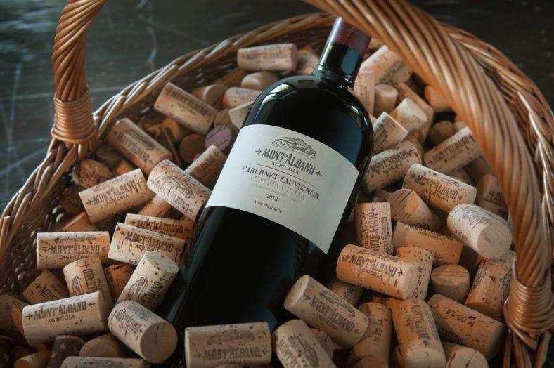 vino-rosso-montalbano